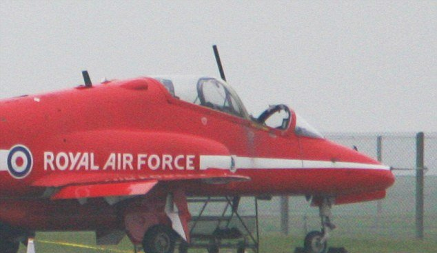 red-arrows-pilot-killed-in-incident-at-raf-scampton